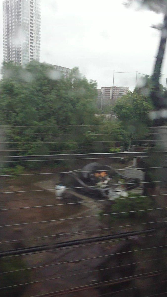 今日から修学旅行で京都・広島へ!行きの新幹線から島倉千代子さんのお墓を見ることができました!