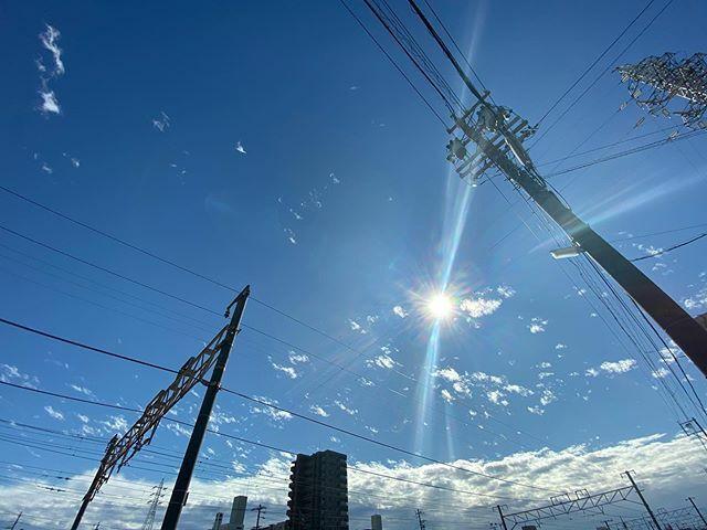 #いい天気 〜  #まぶしい #眩しい #shining #bright #太陽 #sun #イマソラ #いまそら #ノンフィルター #ノーフィルター #青空 #あおぞら #bluesky #空 #そら #sky #雲 #くも #cloud #clouds #電線 #electricwire #electricwires #鉄塔 #steeltower #pylon