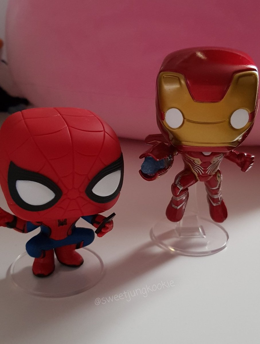He bought me a Iron Man Infinity War and Spiderman FFH wobble head funko pop   #BestBirthdayPresentYet<br>http://pic.twitter.com/HMKAZXCEH2