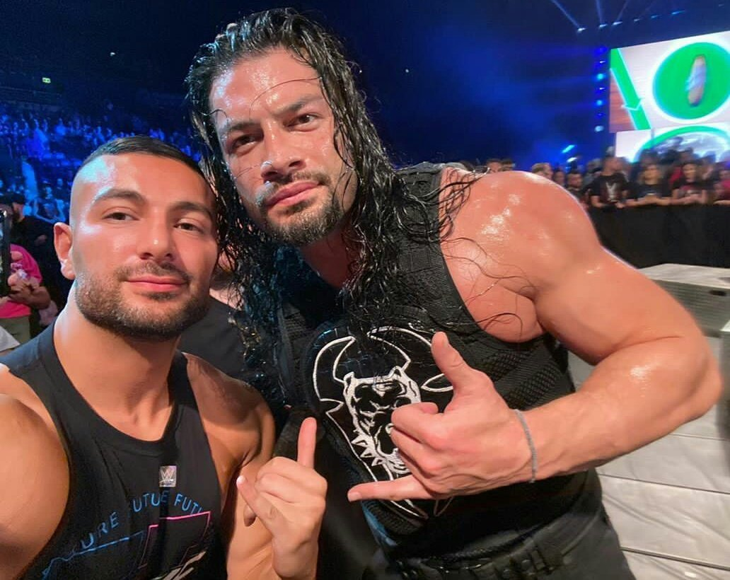 WWE News: Roman Reigns Suffers Potential Injury At Live Event 1