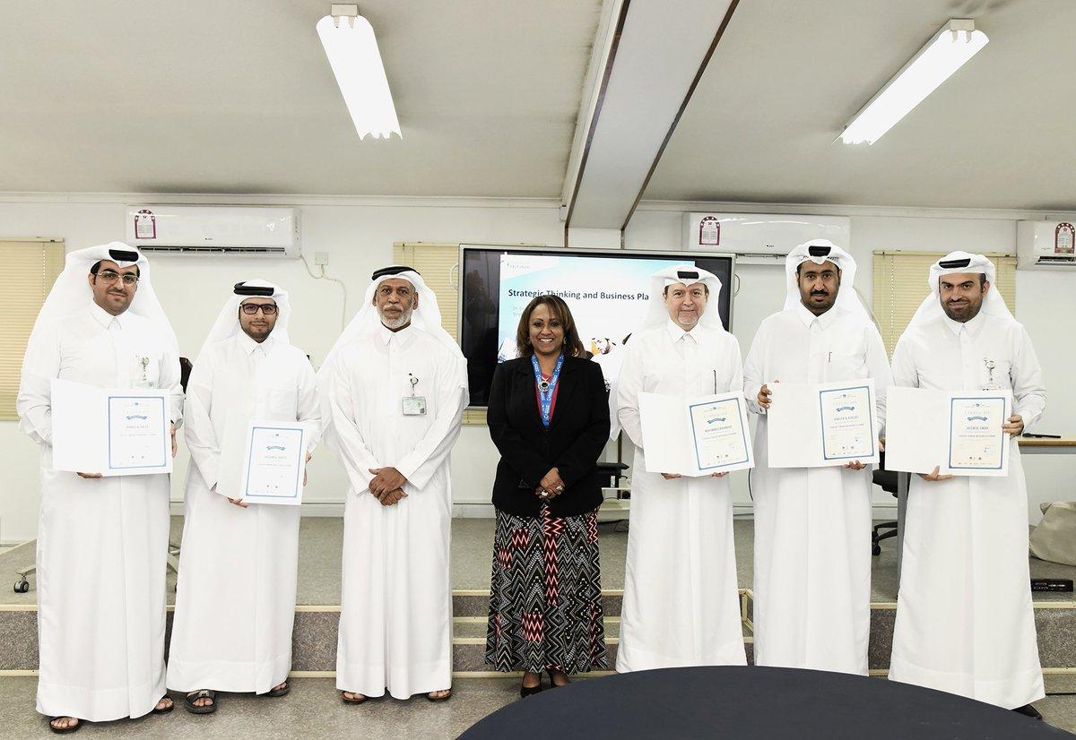 إختتم قسم التقطير والتطوير في شركة ألومنيوم قطر الدورة التدريبية حول  التفكيرالإستراتيجي وتخطيط الأعمال المخصصة للمواطنين، والتي شارك بها أحد عشر موظفًا.   #Qatalum #QNV2030 #Qatar