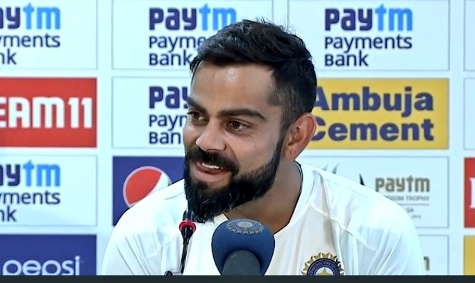 "Virat Kohli to reporter when asked about Dhoni and his future, says  ""He is here, in the change-room, come say hello to him.""    #INDvSA<br>http://pic.twitter.com/uI98QPmolz"