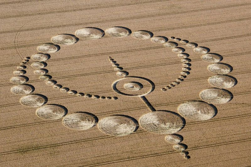 This crop circle design is a courtesy of the book: The Coloring Book of Crop Circles. Forget your... #indiesff #retweetgroup #StormArea51 ⇨⇨⇨  http:// dlvr.it/RGhbbG    <br>http://pic.twitter.com/FDWR7m1Ubw