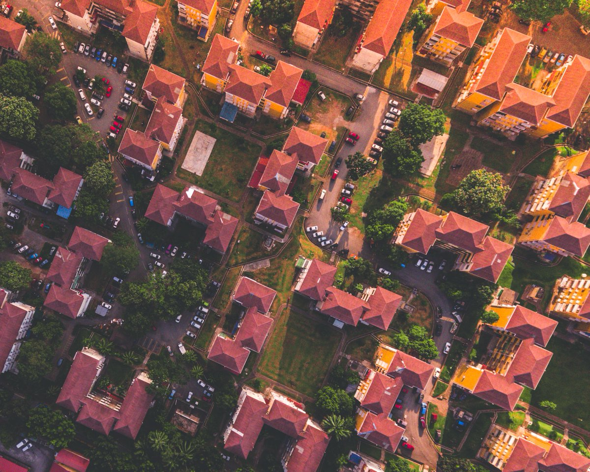 """RT @lgahousing """"We all need to talk about the positive role that social #housing plays in a way that doesn't patronise or 'other' the people living in it.""""  Read our opinion pieces from @MelanieReesCIH and @MunicipalDreams on the future of social housing.  #CouncilsCan  https://t.co/umSVSDDwZQ"""