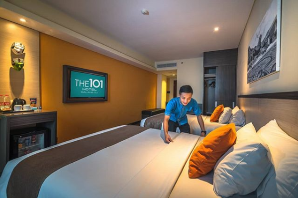 The 1o1 Malang Oj On Twitter Some People Dream Of Success While Other People Get Up Every Morning And Make It Happen Phmhotels The1o1hotels Malang The1o1malangoj Malangkipa Hotelier Https T Co 4enueaommx
