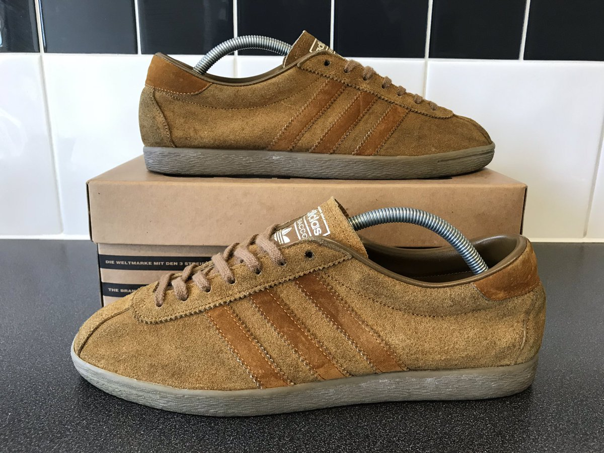 Adidas Jap Tobacco with OG box UK9.5 ..... rare as with the box nowadays Any interested parties please DM me  Shares and retweets appreciated <br>http://pic.twitter.com/0EISUlqSAK