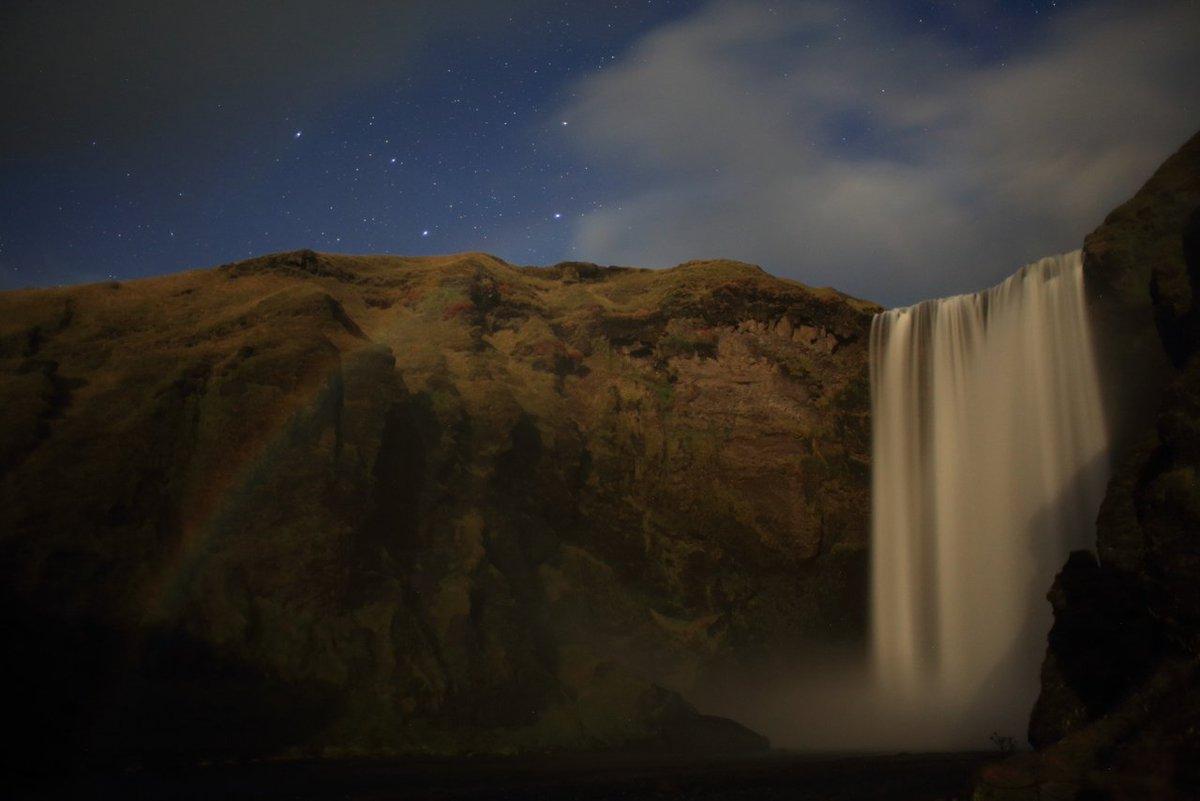 クラブツーリズム様主催「KAGAYA同行 アイスランド星空絶景とオーロラ撮影ツアー」ご参加の方々にお写真をいただきました?1, 撮影初日のオーロラ(三島祥様)2, 月が出るのを待つツアーの皆様(isoco6様)3, 月光でできた虹ムーンボウ(mho様)4, KAGAYAとアイスランドホース(山下ゆかり様)