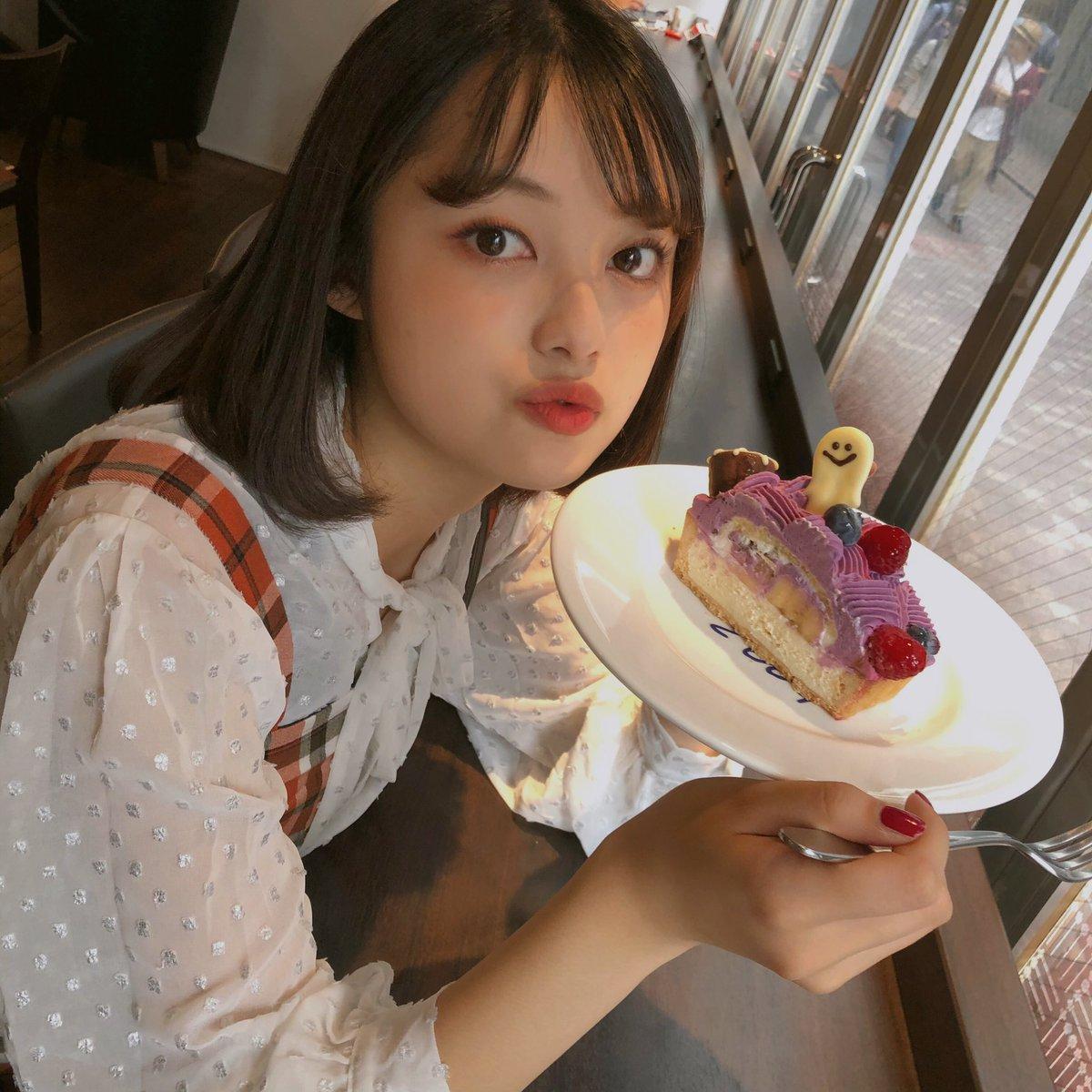 ハロウィンけ~き🎃何味でしょ!♥