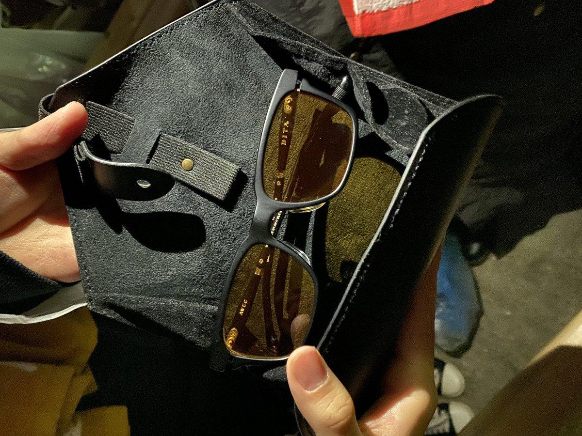 井口さんが投げたサングラス#kinggnu #井口さんのサングラス #日比谷野音