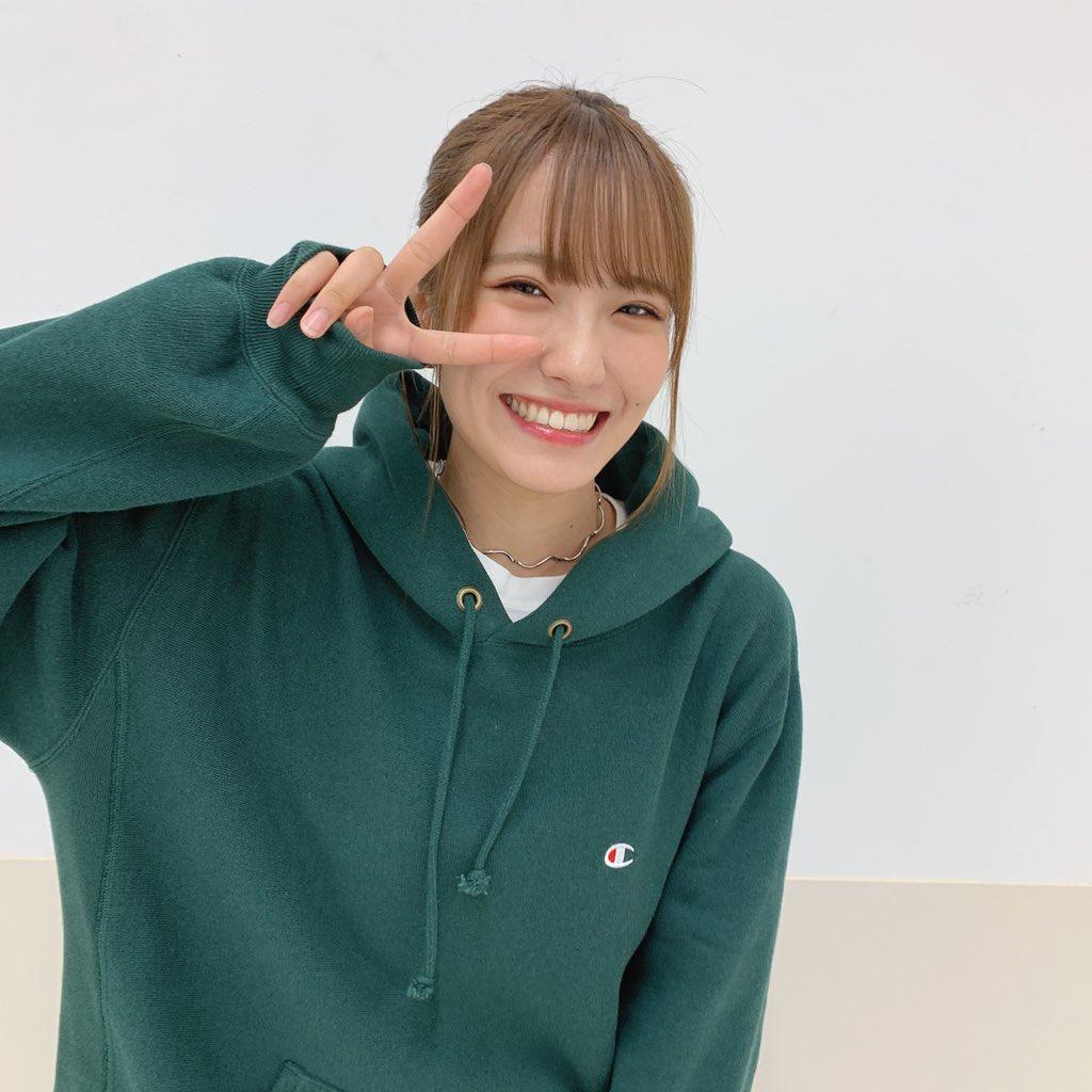 握手会ありがとうございました!!9周年ライブの感想たくさん言いに聞いてくださってすごく嬉しくて幸せな気持ちになりました☺️また会いましょ☺️今日は珍しく緑のパーカーを着ました💚💚