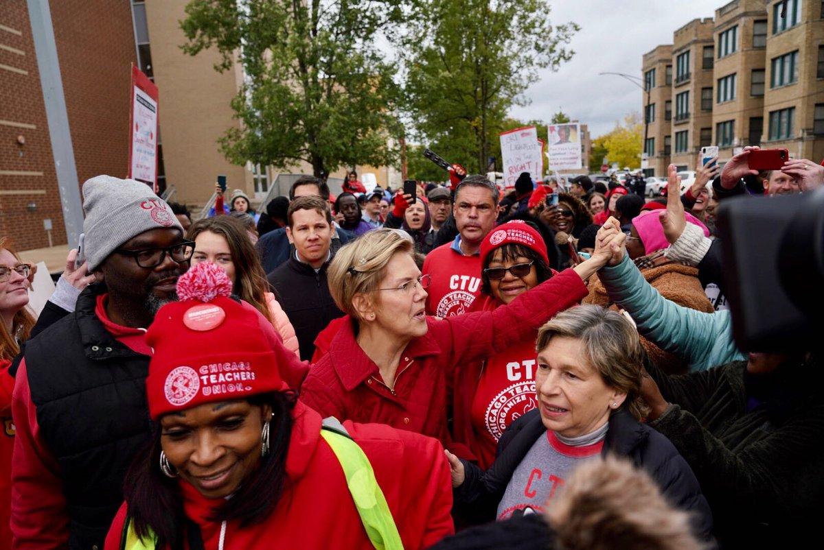 Elizabeth Warren greets public school teachers and staff at the Chicago teachers strike.