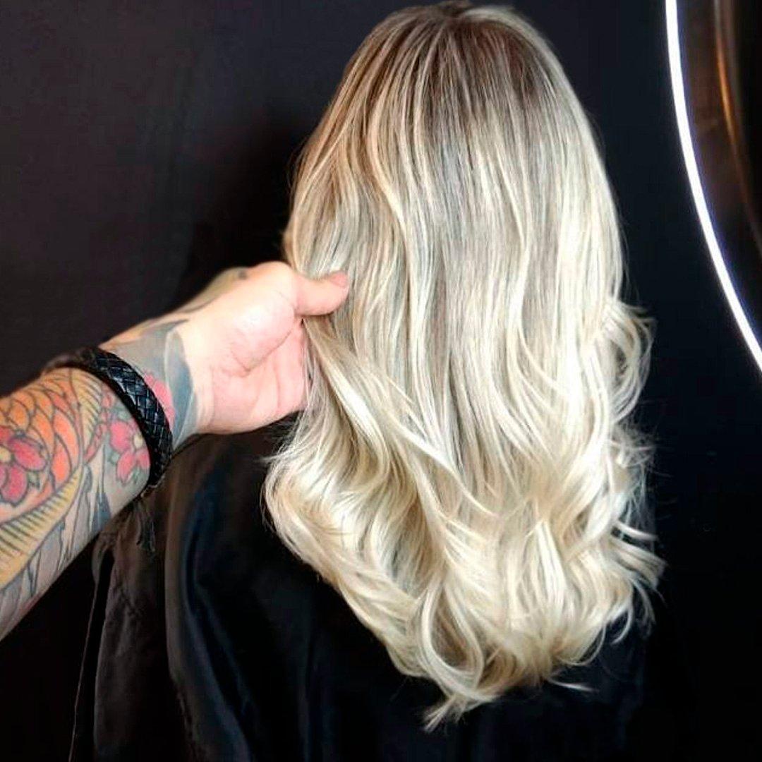 Loiro luxo perfeito!!! Um arraso!!! Por Igor Tijera (@igortijera) com #bellkeyprofessional. . . . #especialistaBellkey #cosmeticosprofissionais #cabeleireiroprofissional #infinitycolor #blond #loiroperfeito #loirosaudavel #hairinspiration