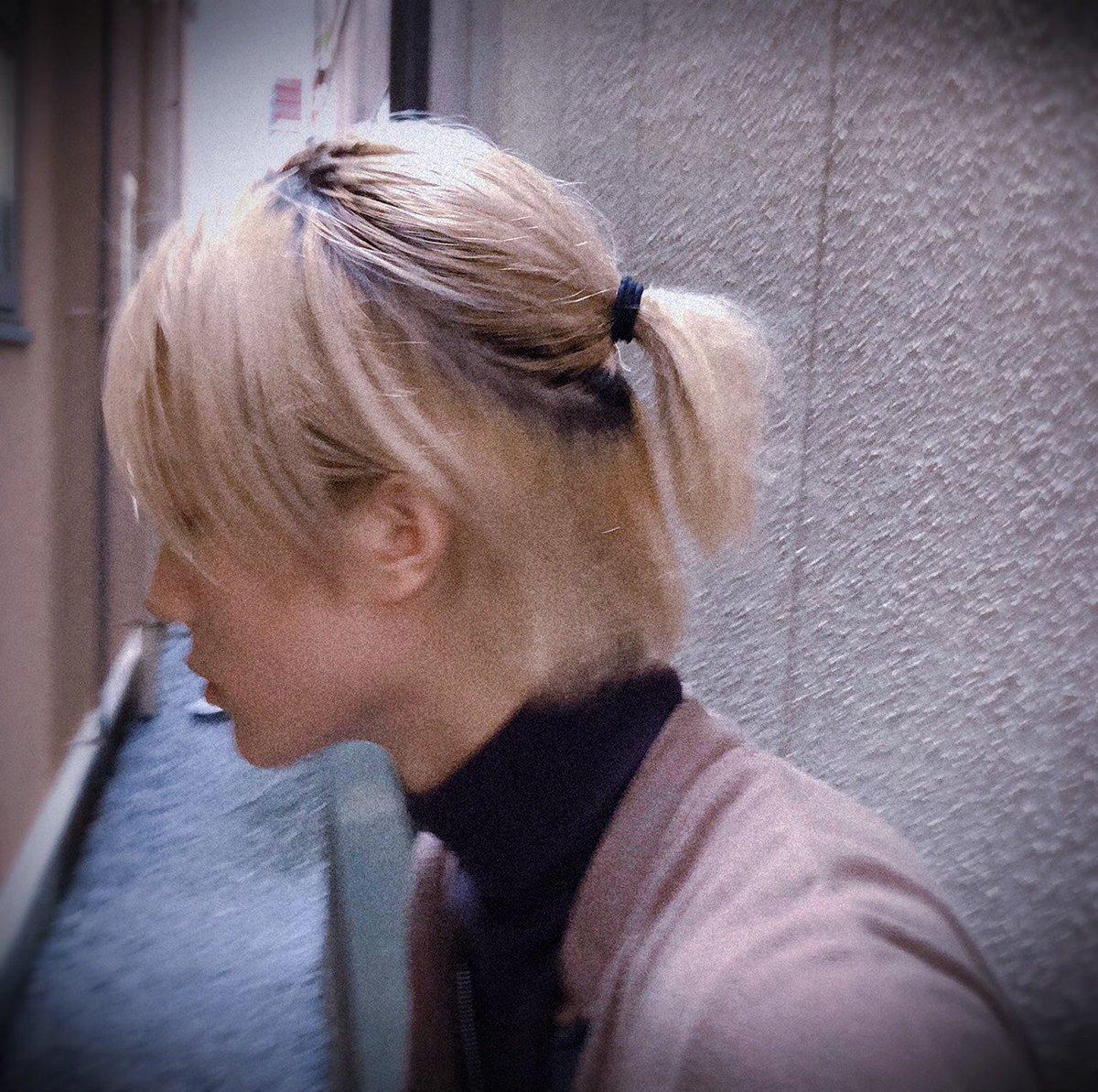 少しお久しぶりです髪がしっかり伸びています、「暁のヨナ」稽古中です周りの方々に刺激受けながら、支えて頂きながら、もがいてます。楽しい〜#MILK #山中柔太朗#暁のヨナ
