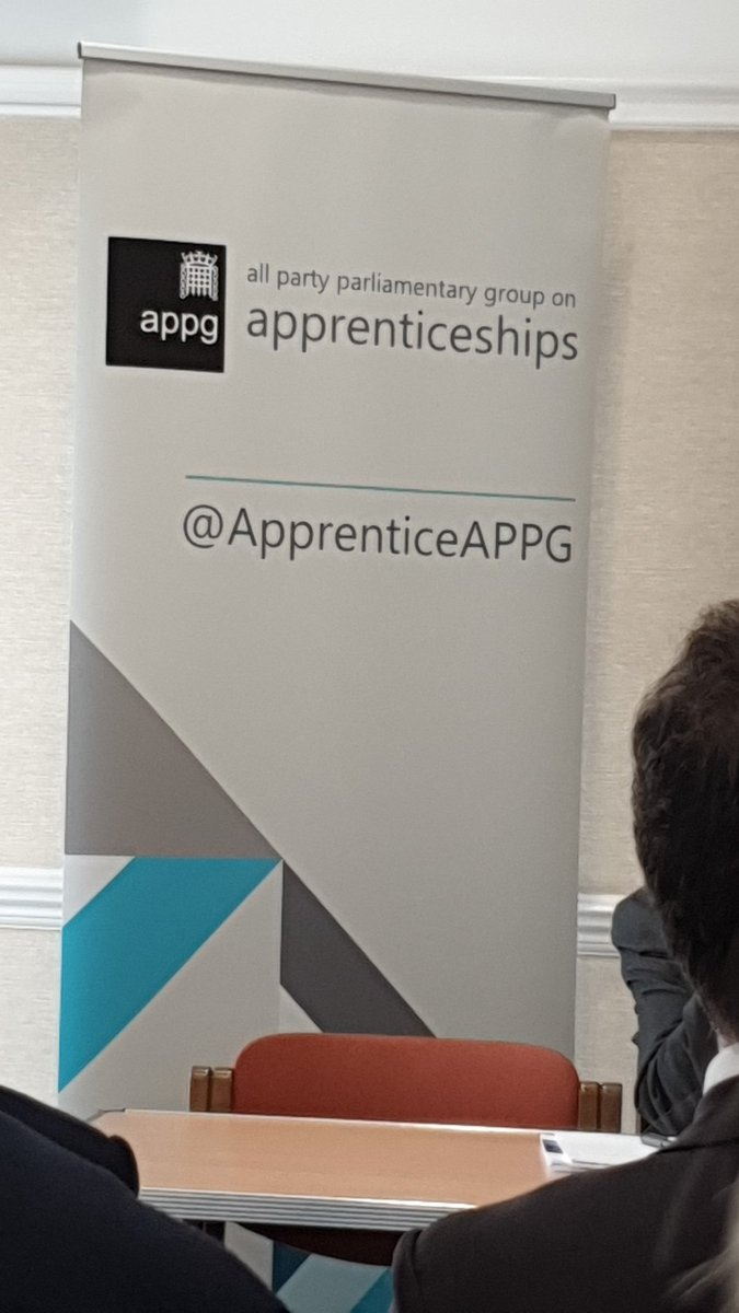 A packed room for the @ApprenticeAPPG chaired by @GillianKeegan. Discussion abt to start on what the UK can learn frm other countries when it comes to delivering effective apprenticeships. #apprenticeships #learning