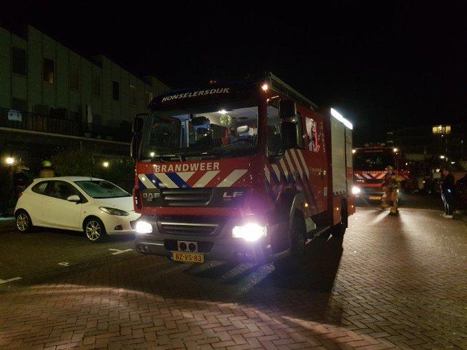 Naaldwijk Binnenbrand gemeld woning aan de Noordkaper. Brandweer tp https://t.co/s22uyKCZgI