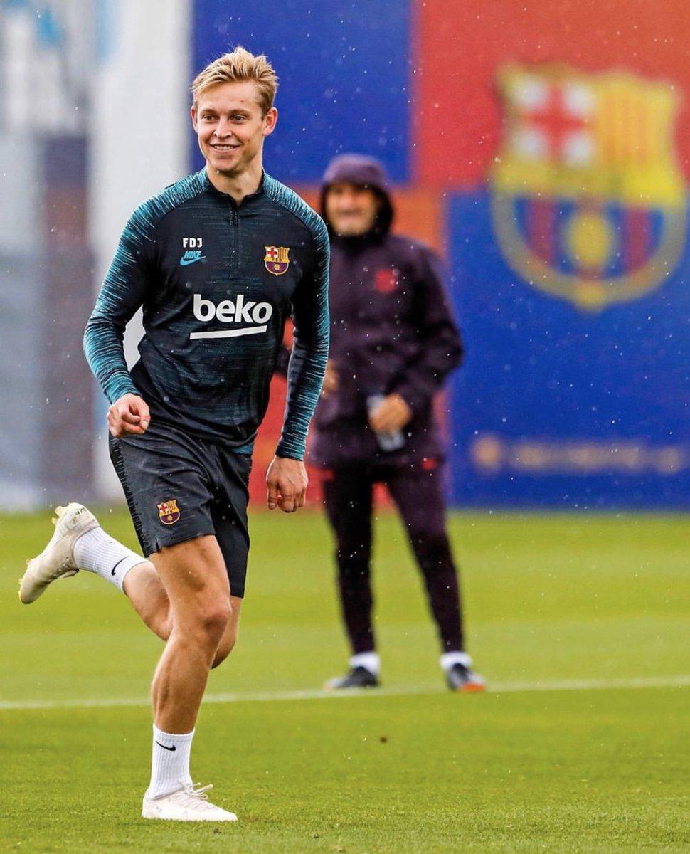 Keep on smiling..   #ChampionsLeague  @FCBarcelona