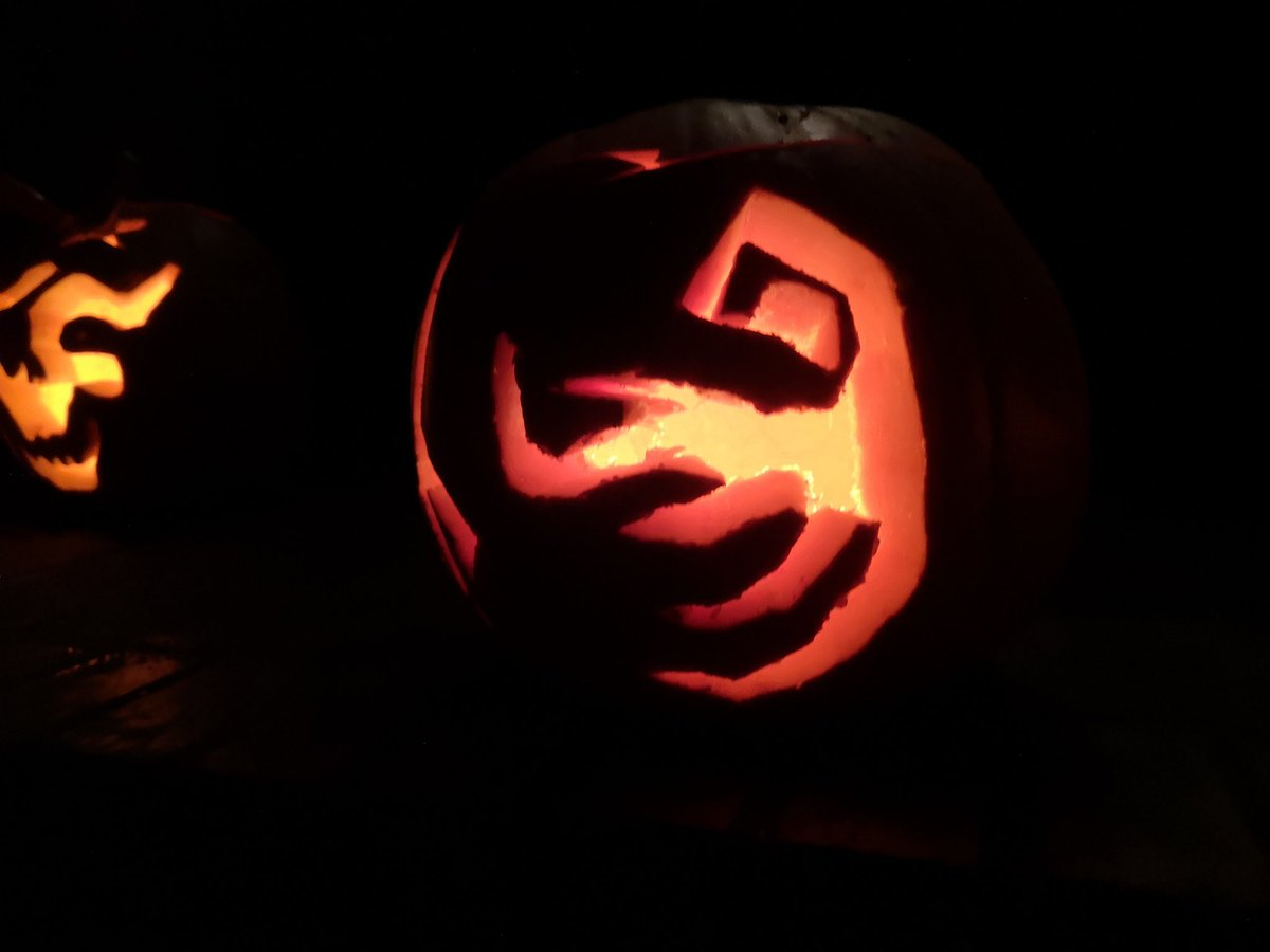 test Twitter Media - Pumpkin carving achieved! I wanted to do Astor or Solaria, but I chickened out.  So I ended up doing a Hunter's Mark and Beast's Embrace rune from #Bloodborne! https://t.co/h5HPfYsLAb
