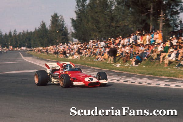 1970 #MexicanGP 🇲🇽 with 200,000 strong crowd overflowing at the tracks edge 😮😬 The Ferrari driver in the picture won the race! 🏎😎👊 Let's see who recognizes him 👀🧐🤔😀  #ScuderiaFans #essereFerrari 🔴 #ForzaFerrari