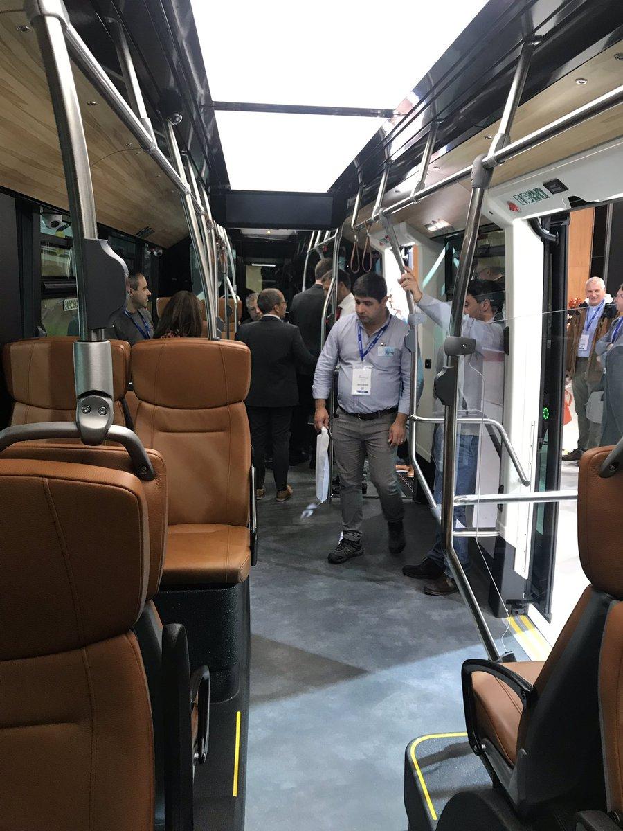 test Twitter Media - Oke nog een laatste tweet dan: een zero emissoe 18 m bus van @vanhool voor #Pau schitterend design, vergelijkbaar met Mettis voor #Metz met brandstofcel (waterstof) met prachtig interieur met heel comfortabele lederen stoelen! Innovatief en fraai https://t.co/KEEmcvYiBp