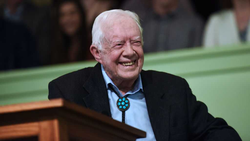 Jimmy Carter hospitalized after fall at Georgia home wyff4.com/article/jimmy-…