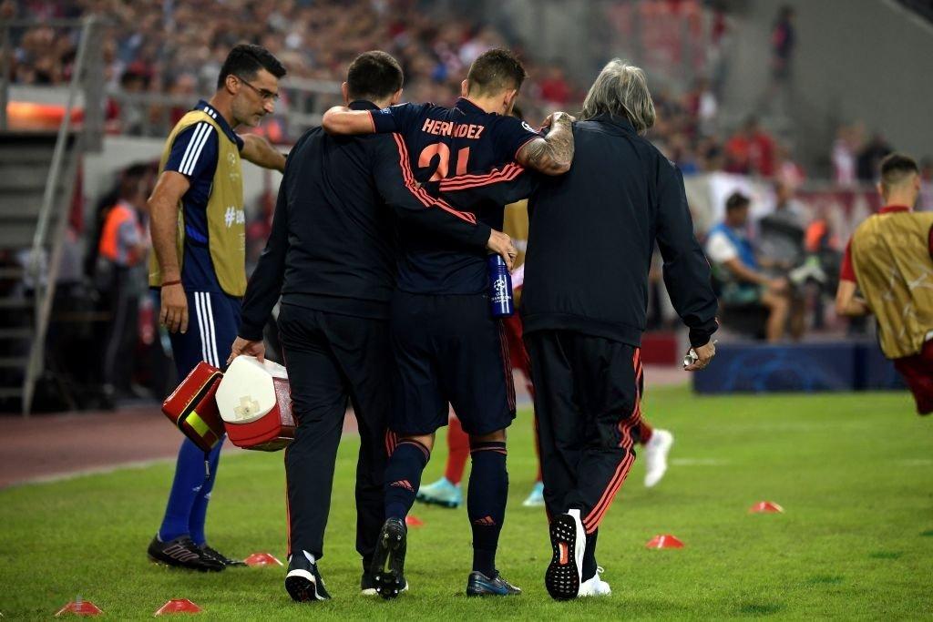 Bayern siegt 2:3 bei Olympiakos – zwei weitere Defensivspieler fallen aus