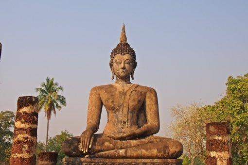 タイのアユタヤで建設中のブッダ、突如ブッ倒れるも、ブッ飛んだ解釈。#仏像 #アユタヤ #仏像 #壊れる