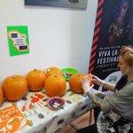 Image for the Tweet beginning: Free pumpkin carving workshop on