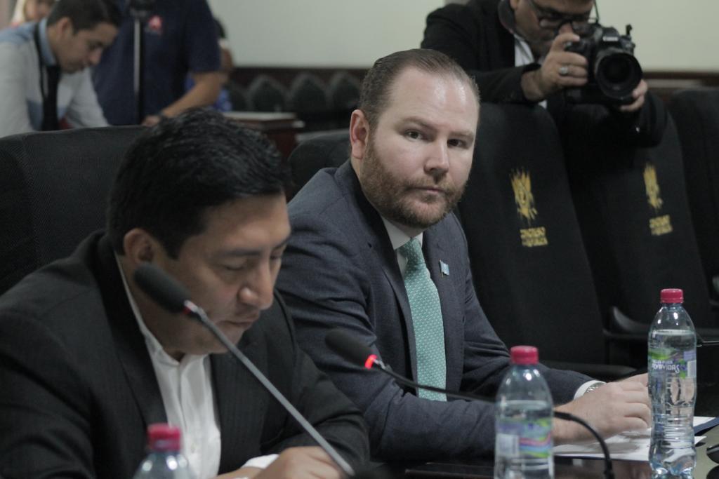 test Twitter Media - El diputado Álvaro Arzú Escobar acude a la reunión de la Comisión de DD.HH. del Congreso en el que se conocerá la petición de desaforar al Procurador Jordán Rodas. https://t.co/lrPk8wRRqA