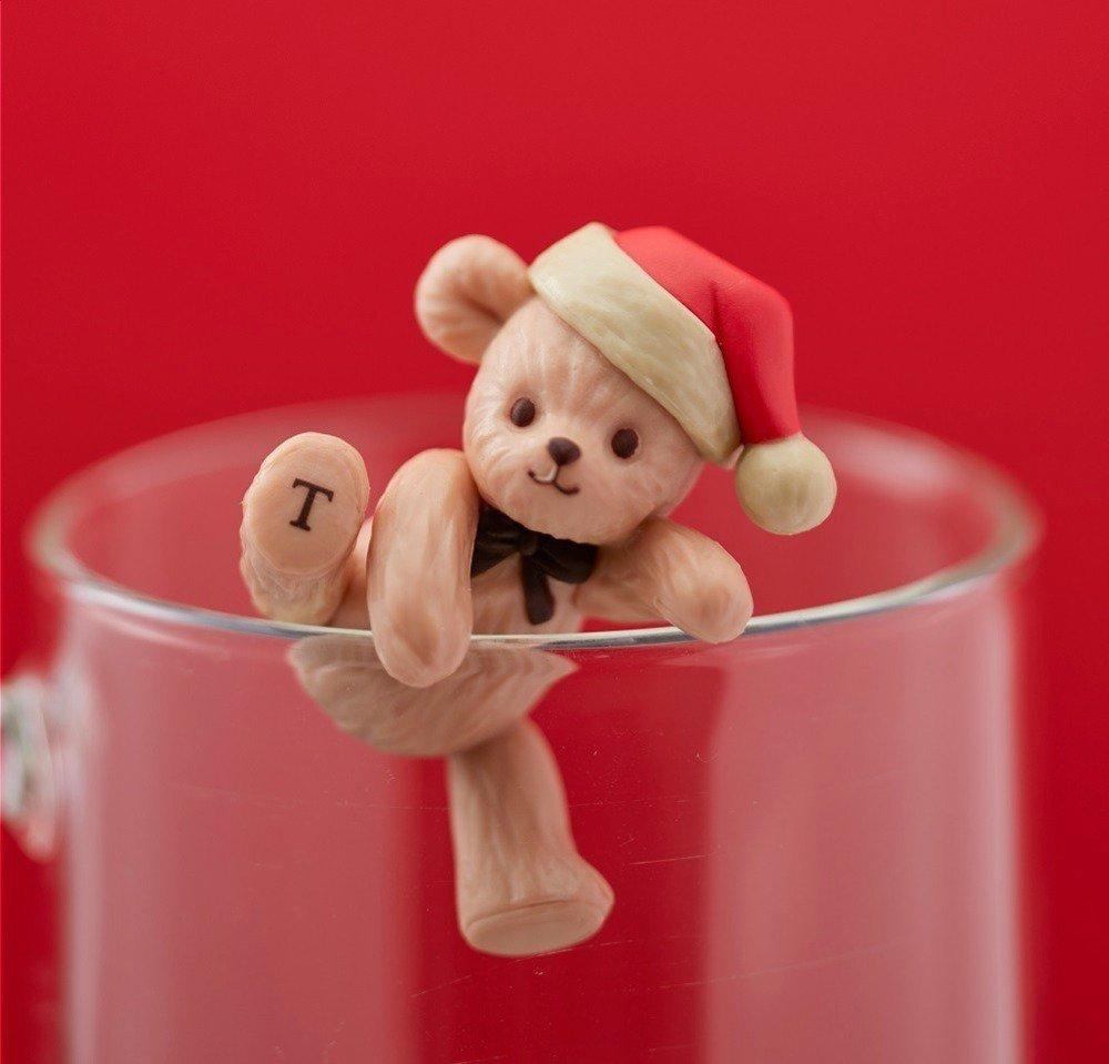 タリーズコーヒーからクリスマス限定、マスカルポーネホイップ×ティラミスの濃厚カフェラテ -