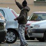 Image for the Tweet beginning: Parcheggiatore abusivo ma da maggio
