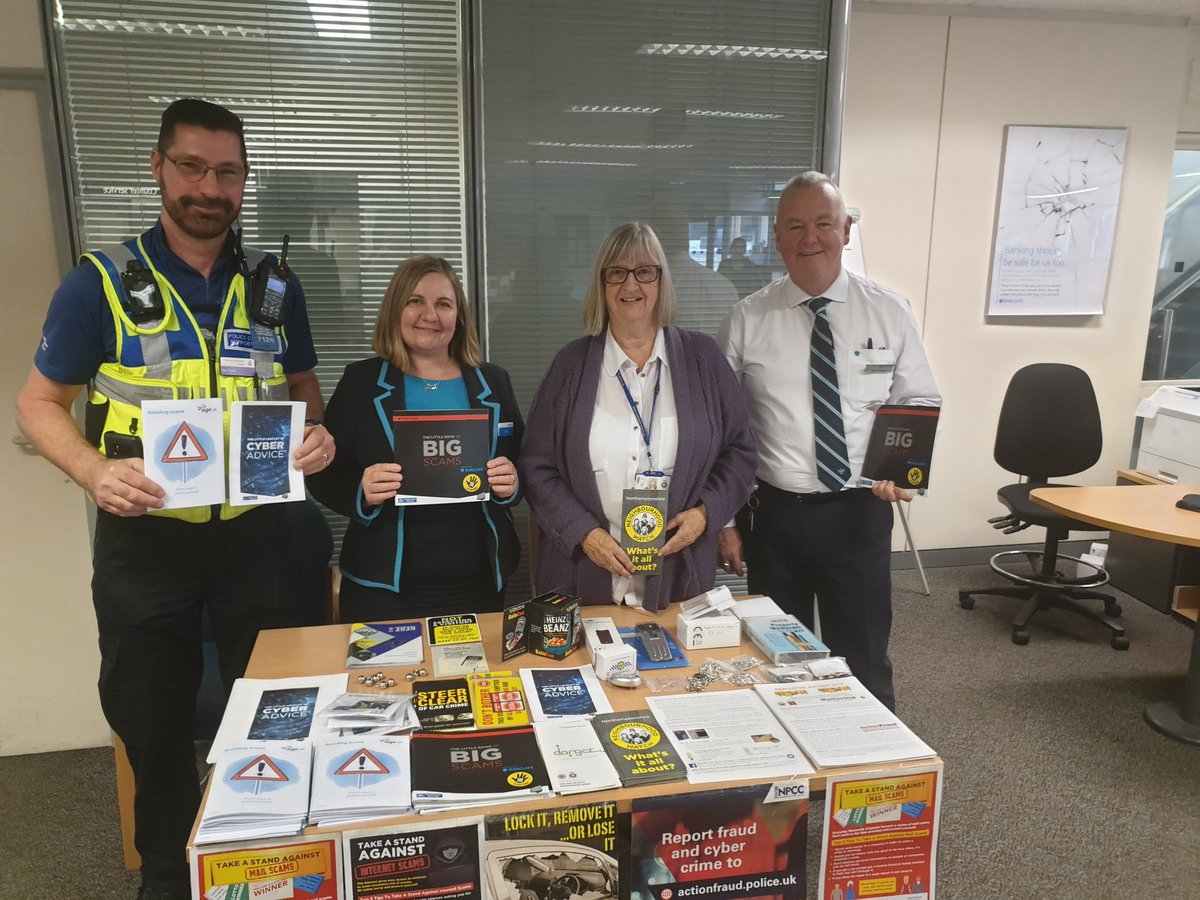 Uzivatel Kettering Police Team Na Twitteru C7120 Anti Scam And Fraud Event At Barclays Bank Kettering Pcso Barrie Dodd And Jane Calcott From Nhw Along With Barclays Staff Promoting Avoiding Scams And Fraud Awarness