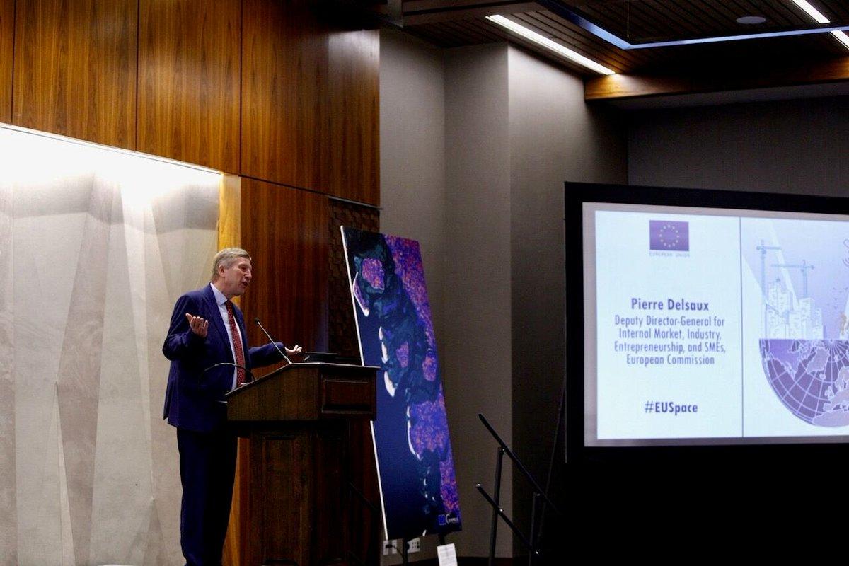 .@EU_Growth Delsaux: @EU_Commission has proposed a €16bn #EUSpace program for 2021-2027 -- a substantial increase. 1 program with 5 components: 1⃣ @GalileoGNSS 2⃣ @EGNOSPortal 3⃣ @CopernicusEU 4⃣ Space Situational Awareness 5⃣ GOVSATCOM europa.eu/rapid/press-re… #IAC2019