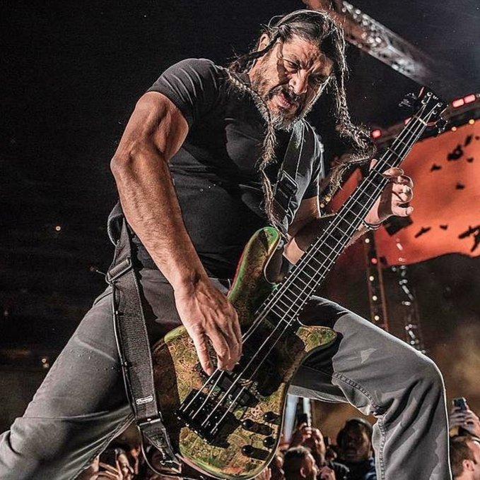 Happy Birthday to the mighty Robert Trujillo of Metallica!