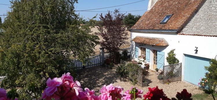 1 Bedroom, 1 Bathroom Gite with Private Pool in Parcay Les Pins, Pays de la Loire, France. Sleeps 2. Wifi. https://t.co/0f3JnvOQ1f https://t.co/8aw9p3c3z8