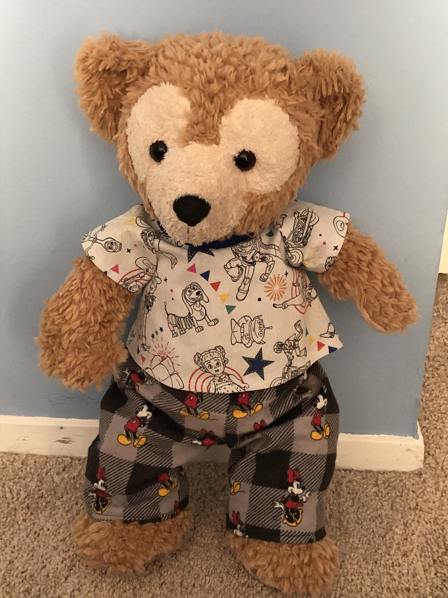 Mommy bought me new outfit don't I look super cute ❤️🧸❤️ thank you @CraftyShellie for the comfy clothes I can't wait to read and relax with my mommy ❤️😊💜 #duffythedisneybear #bearSelfie #disneyplush #BestFriend #ToyStory4 #MickeyMouse