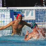 Image for the Tweet beginning: Pallanuoto, l'Ortigia vince il derby