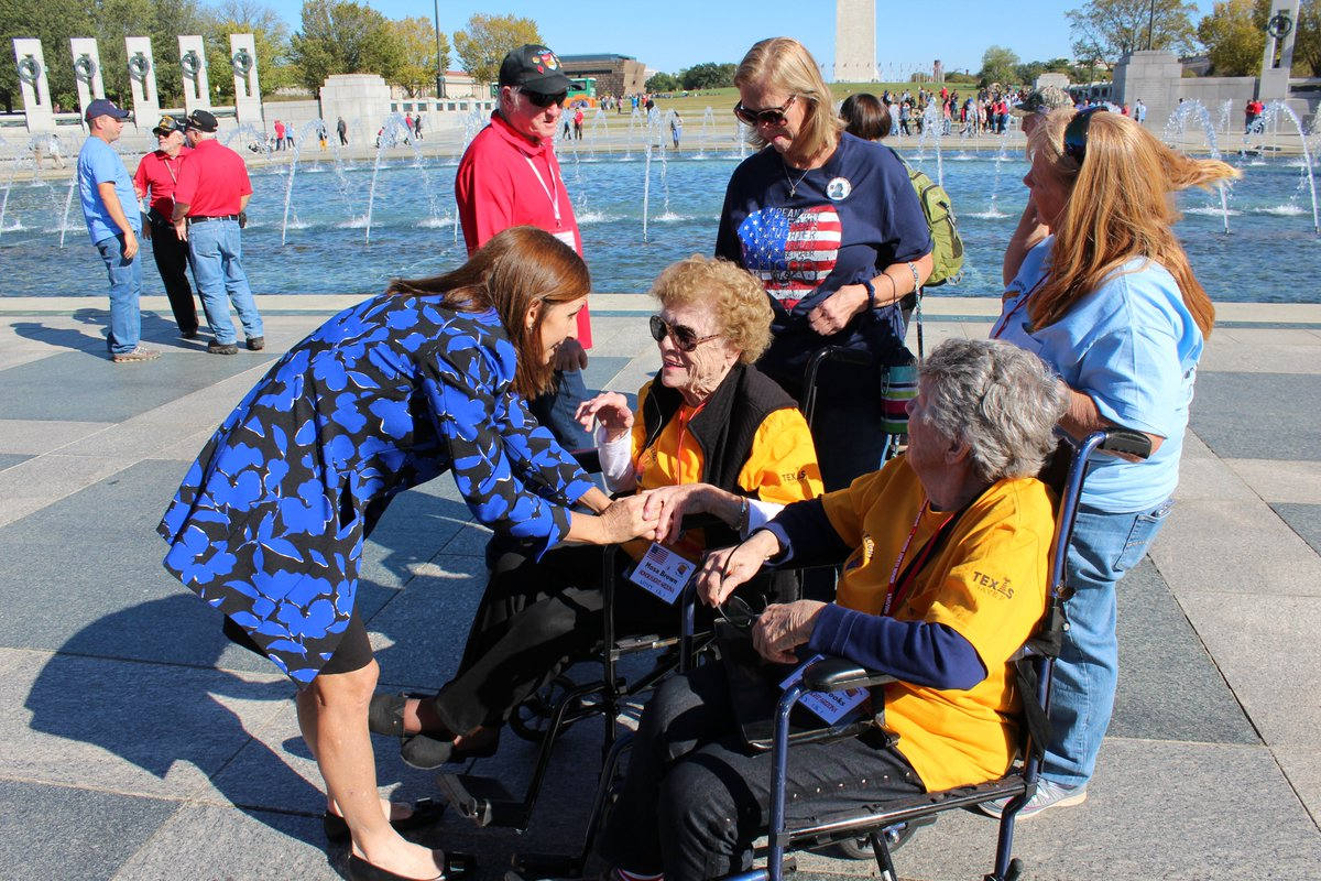 It was a perfect day outside to visit with Arizonas heroes at the WWII Memorial. Thank you to these veterans who served in WWII, Vietnam, & Korea. @HonorFltAZ
