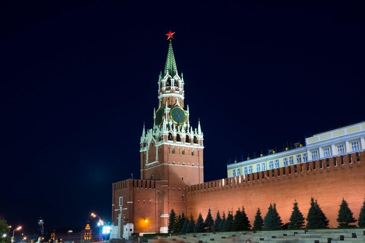 часть снимков фото спасской башни на красной площади можно