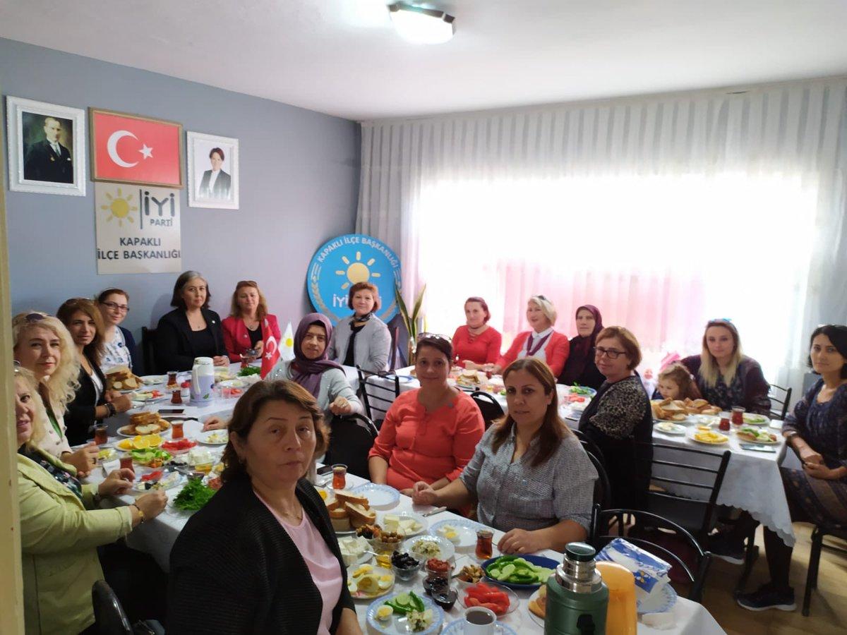 Kadın Politikalarından Sorumlu İl Başkan Yardımcımız Gokce Demirbag Gülçiçekli  Kapaklı İlçe Başkanlığımızda düzenlenen Kahvaltıda Kapaklılı bayanlarımız ile bir araya geldi.