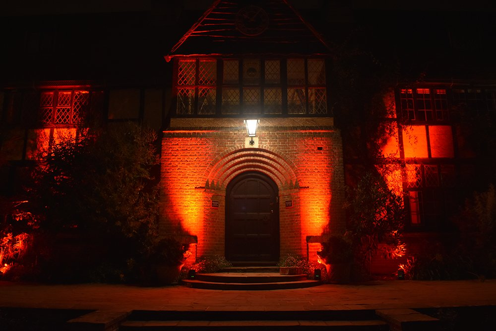 Looking for a spine-tingling experience this #Halloween? Join us for Wisley After Dark on 31 Oct - if you dare! Your evening will start at the Laboratory where you'll meet the Master of the House to set you on your way. Tickets £15 (age 16+ only) Book now: rhs.org.uk/gardens/wisley…