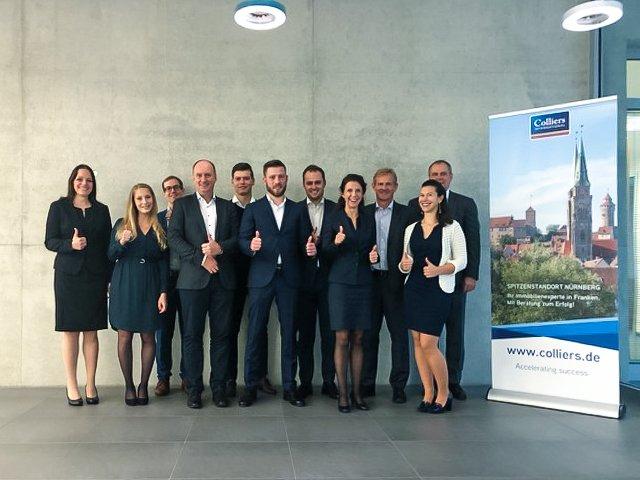 Spitzenstandort Nürnberg<br></noscript><br>Beim Pressefrühstück in #Nürnberg hat sich unser Team mit seinen Business Lines vorgestellt und einen tiefen Einblick in den Nürnberger Büromarkt mit spannenden Zahlen, Daten, Fakten gegeben. Unser Standort Nürnberg:  t.co/o2HJrrTAlO