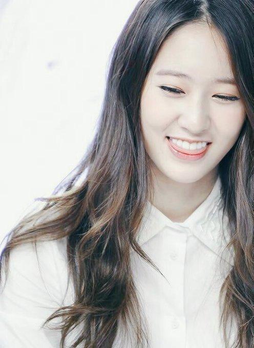 Happy birthday krystal jung!  good luck and always healthy !! ~