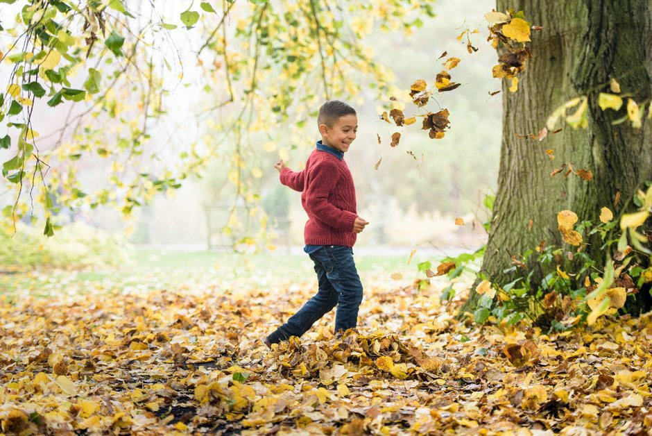 Celebrate Awesome Autumn 🍂 this October #halfterm @RHSWisley Drop in and enjoy family fun activities throughout the whole week 🌺 26 Oct to 3 Nov 🌳 For more events and info: bit.ly/RHSwHT #Guildford #Nature #Family #Bugs #Walks