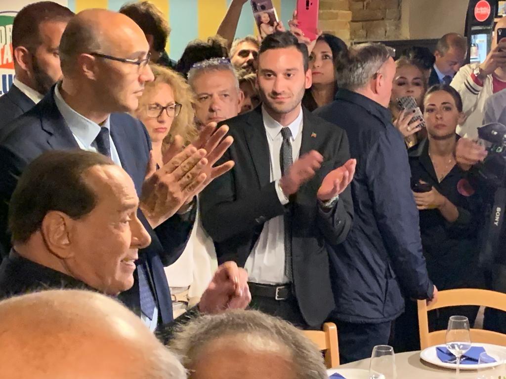 Forza italia forza italia twitter for Senatori quanti sono