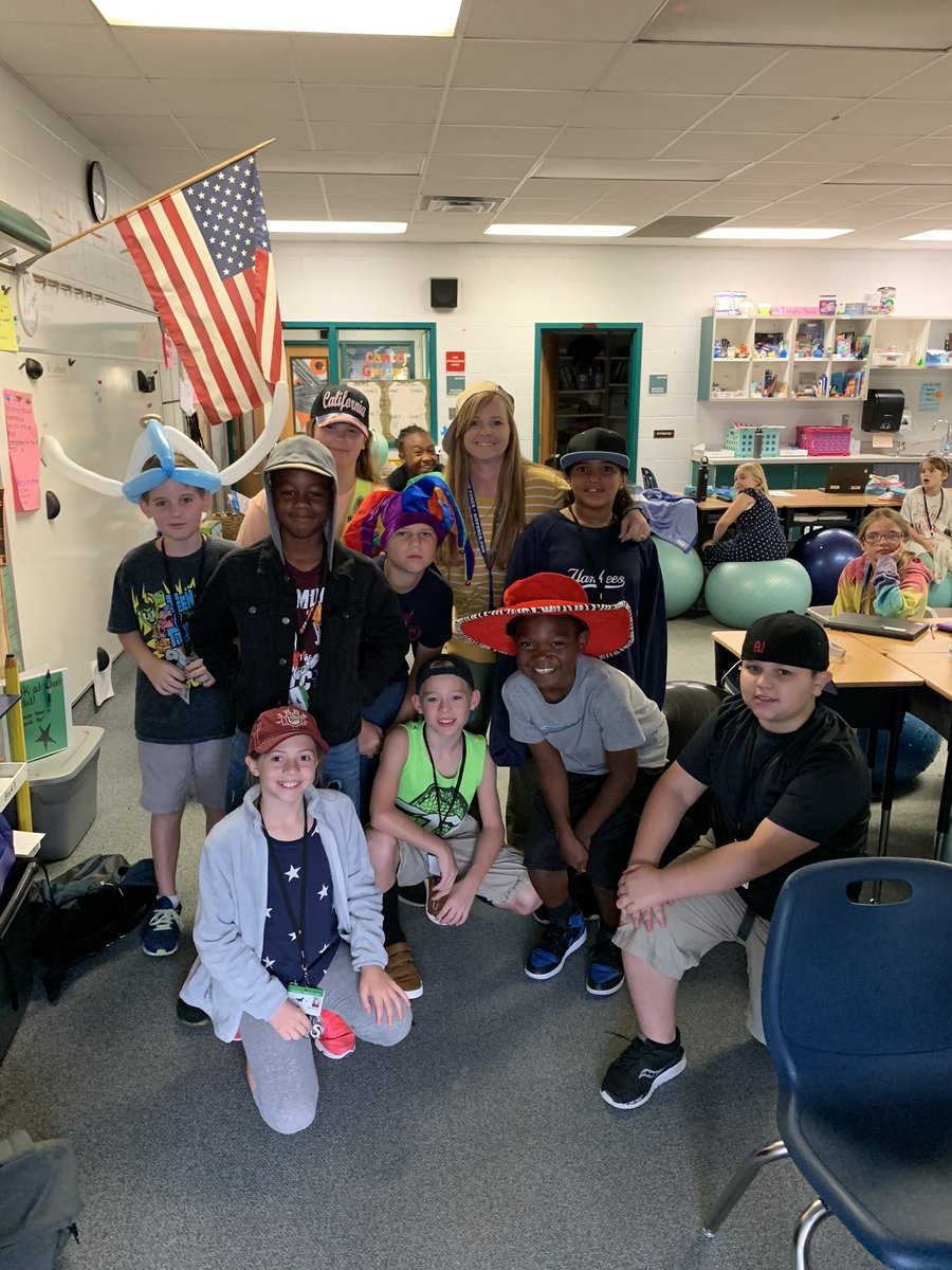 Hat day for United Way, both classes had 100% attendance, and an amazing poetry lesson= one happy teacher! #ALLin4learning #beyondthelesson @Saddlewood_MCPS<br>http://pic.twitter.com/cWgnqVdfvk