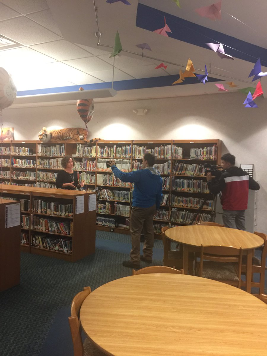 I got to do THIS @Lawrencepublic with @wwmtnews!  This elementary school has made incredible strides towards improving literacy for their students. Abundant supply of books and opportunities to read is ESSENTIAL! #michiganliteracy #migeln  @VBISDIS<br>http://pic.twitter.com/IY0zaVzgTS