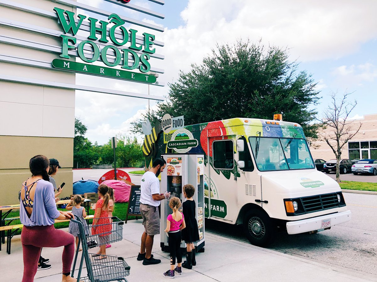 Find us @WholeFoods Tampa today until 4PM! Bring your family along and stock up on free samples of our #organic goodies! 😋 #GoodFoodVibesTampa #Tampa #wholefoods #cascadianfarm #alwaysorganic https://t.co/jozRgimZLu