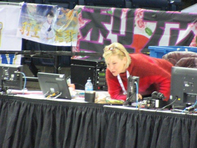 GP - 2 этап. Skate Canada International Kelowna, BC / CAN October 25-27, 2019 - Страница 4 EHrD4UbU0AIWF_H?format=jpg&name=small