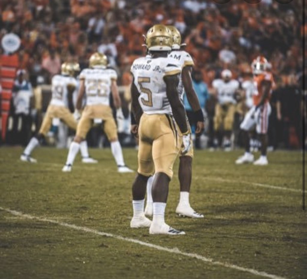 #AGTG blessed 🙏🏾&& honored to receive an offer from @GTFootball @coachchoice @SKYLINEfb #yellowjackets #ACC‼️‼️