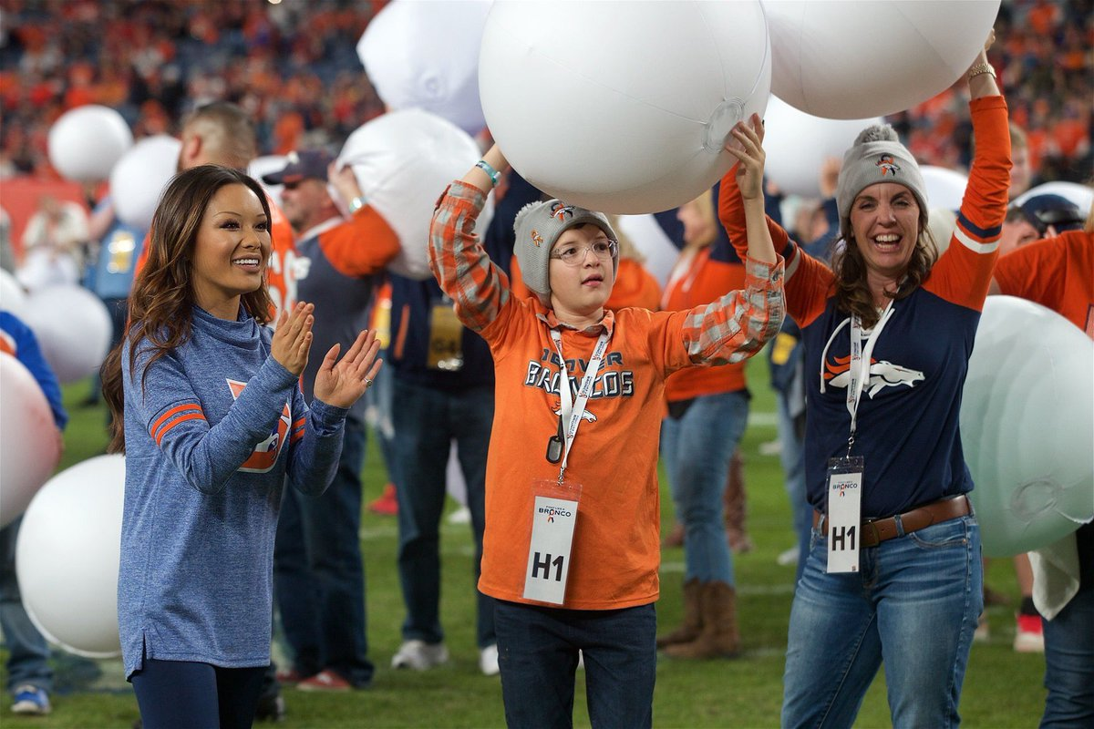 Last week, 100+ cancer fighters, survivors, and their loved ones joined us for #KCvsDEN and inspired us all to always #FightLikeABronco! 🧡  #CrucialCatch | #TBT | #DBC2019
